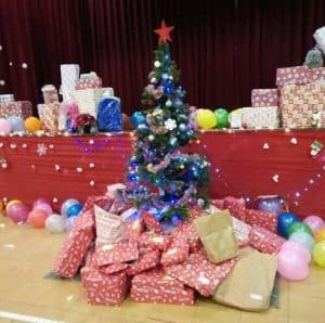 X'MAS CHARITY SHOPPING & PARTY